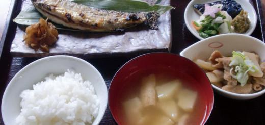 いわな塩焼き定食(900円)