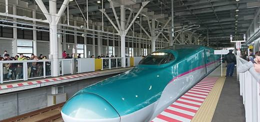 新函館北斗発E5系