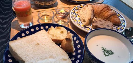 パンビュッフェ (本日のスープ・野菜のジュレ付き) 大人950円/小学生500円 未就学児パン無料